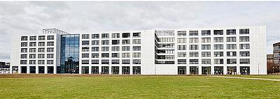 Neue Maschinenhalle sowie Büroräume des AZL im Cluster Produktionstechnik auf dem RWTH Aachen Campus