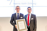 Nicolai Lammert, scientific assistant at IKV, and Torben Fischer, Chief Engineer at IKV, at the award presentation in Heidenheim