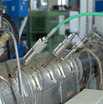 Schaumextrusionsanlage mit Injektionsstellen im IKV-Technikum