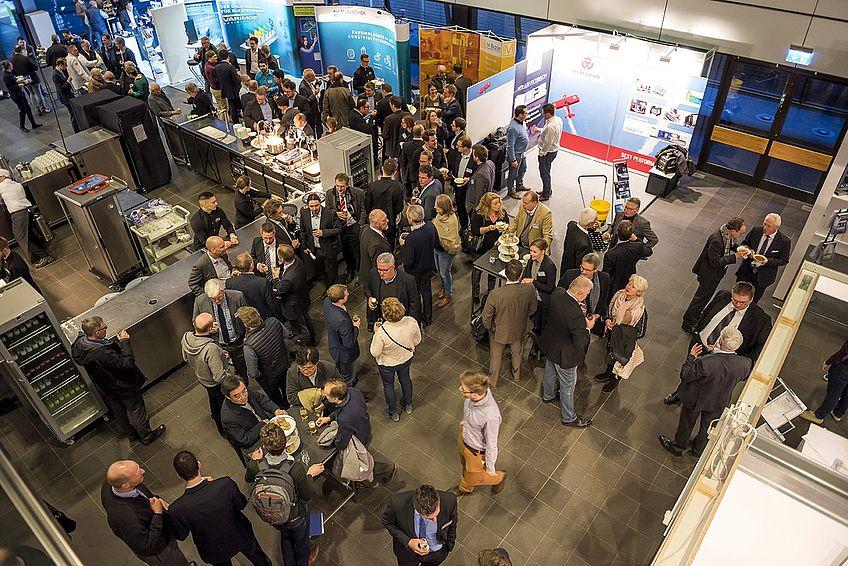 Get-together und Besuch der Industrieausstellung