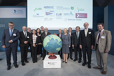 "Presentation of the award to successful applications for the BMBF initiative ""Internationalisation of leading-edge clusters, forward-looking projects, and comparable networks"" at the 3rd International  Cluster Conference of the BMBF in Berlin (photo: BMBF"