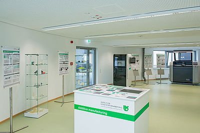 Laboratory for additive manufacturing at IKV