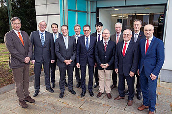 New and former members of the Board of Trustees met at Covestro: Dr. Joachim Simon, Dr.-Ing. Martin Giersbeck, Dipl.-Volkswirt Bernd Reifenhäuser, Prof. Dr.-Ing. Christian Hopmann, Dr.-Ing. E.h. Herbert Kraibühler, Dr.-Ing. Herbert Müller, Dr. Guiscard