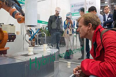 Hybride Fertigungszelle für die Additive Fertigung