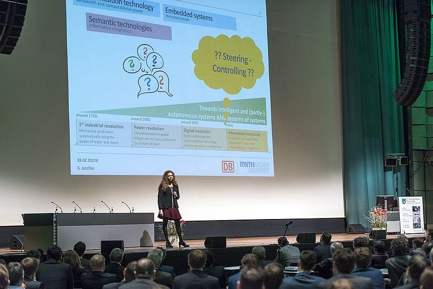Prof. Dr. rer. nat. Sabina Jeschke, Vorstand Digitalisierung und Technik der Deutschen Bahn AG
