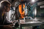 Forschung zur additiven Fertigung im IKV-Technikum (Foto: IKV/Fröls)