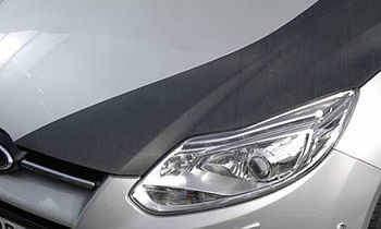 Car with engine hood made of CRP | photo: IKV