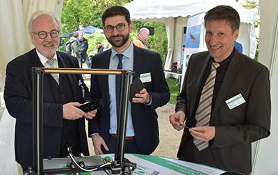MdB Rudolf Henke pays a visit to the IKV presentation